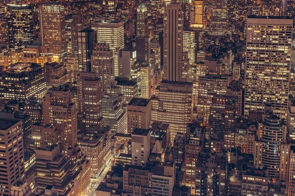 בניינים בזמן החשכה